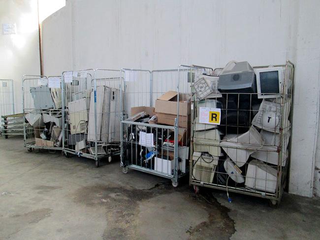 Storage Trash Weee